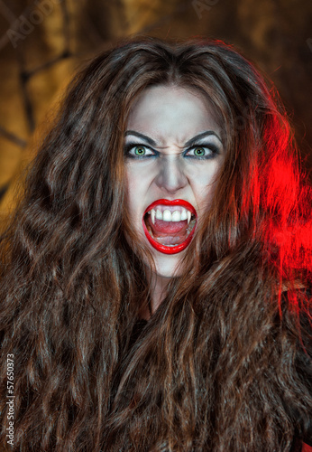 Screaming vampire