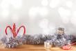 weihnachtliche dekoration mit candy canes