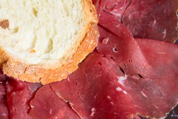 Bresaola di manzo con pane