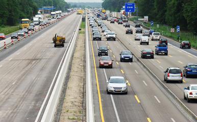Autobahnstau durch Strassenarbeiten
