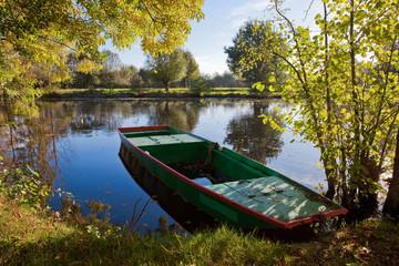 Anjou > Rivière > Barque