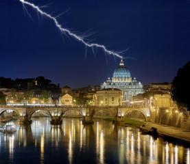 Papspalast Rom mit Blitz