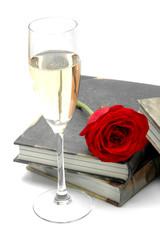 Chamán, libro y rosas