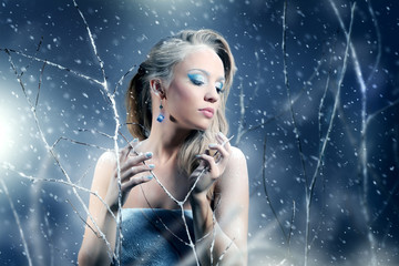 Winter woman with beautiful make-up