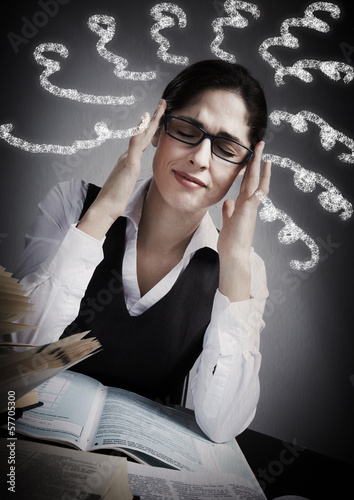 Woman having headache.