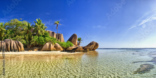 Foto op Canvas Zuid Afrika Beautiful beach in Seychell island