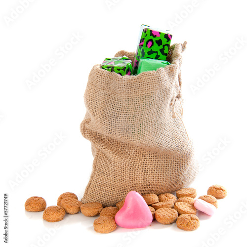 Jute bag with gingernuts