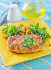 chicken breast and green peas