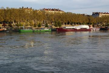Vues de Lyon entre Rhône et Saône.