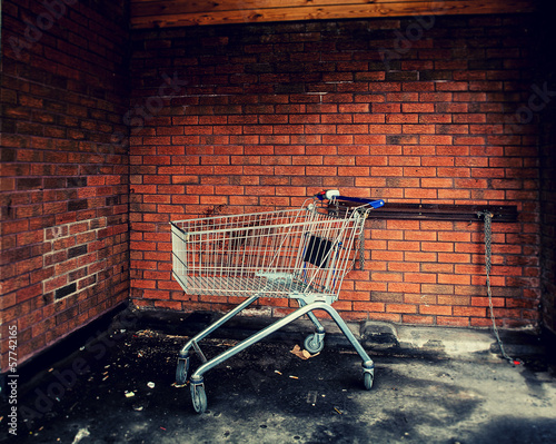 chained trolley