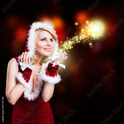 Weihnachtsfrau mit Lichtball
