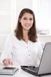 Buchhaltung - Frau - Steuerberatung, kaufmännische Angestellte