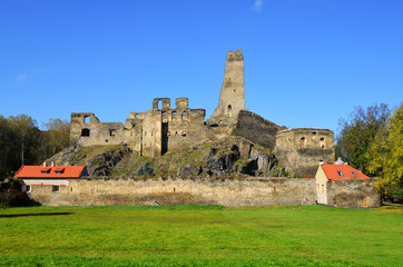Okor castle