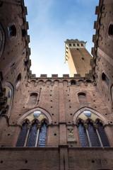Siena, cortile interno del Palazzo Comunale