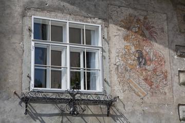 Fenster und Wandbemalung