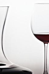 Bodegón. Copa de vino con escanciador