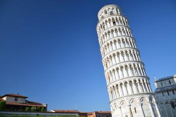 Słynna Krzywa Wieża w Pizie na Placu Cudów, Toskania we Włoszech