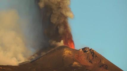 Eruzione Etna all' alba