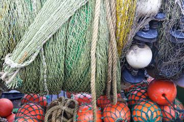 Fischernetze auf einem Fischerboot in Sassnitz auf Rügen, Deuts
