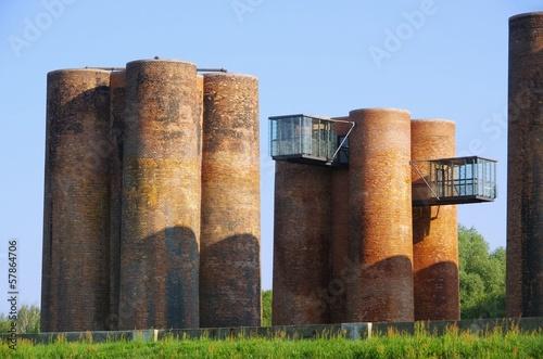 Leinwanddruck Bild Lauchhammer Biotuerme - Lauchhammer Castel del Monte 01
