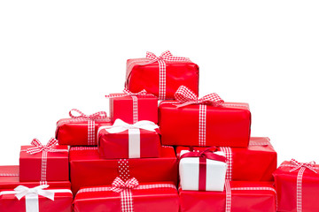 Geschenke vor weißem Hintergrund