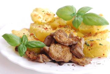 potatoes with mushroom and basil