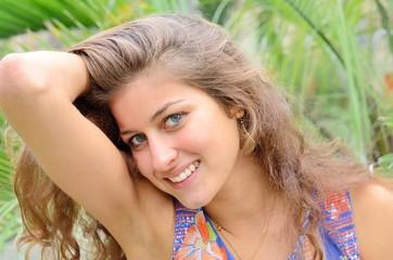 Sourire de jeune femme