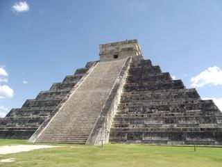ancienne pyramide maya