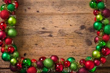 Weihnachtsgirlande mit Textfreiraum