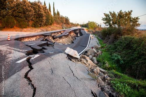 Strada crollata - 57917700