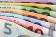 Alle Euro Scheine hintereinander