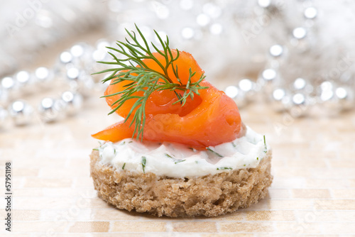 canape with rye bread, cream cheese, salmon