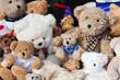 Teddybären auf Flohmarkt - 57958177