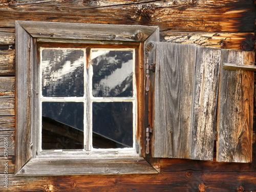 canvas print picture Bergspiegelung im Holzfenster