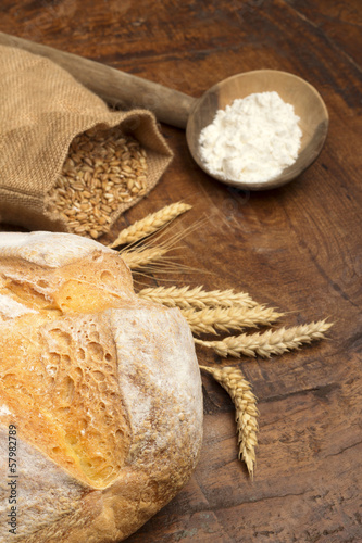 bread, ears, flour and grains of wheat
