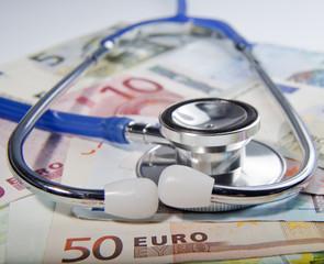 Stethoskop mit Geld