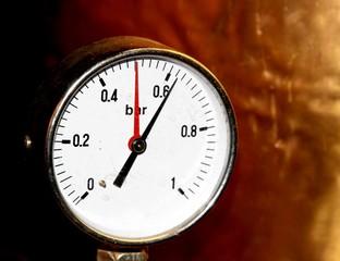 accurate pressure gauge for measuring pressure