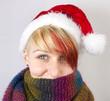 Weihnachtsfrau mit buntem Schal