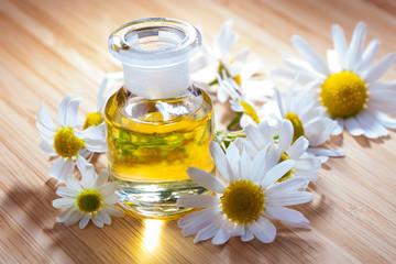 Kamille -  Blüten und Öl