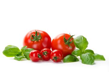 5 Tomaten mit Basilikum