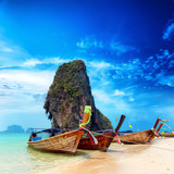Fototapety Thailand exotic sand beach and boats in asian tropical island
