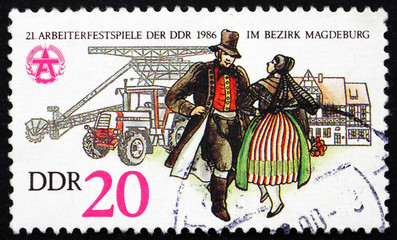 Postage stamp GDR 1986 Couple in Folk Dress