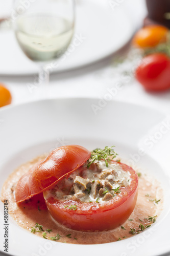 tomatoe stuffed with chanterelles