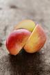 Frischer aufgeschnittener Apfel