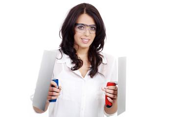 Frau mit 2 Kellen und Schutzbrille