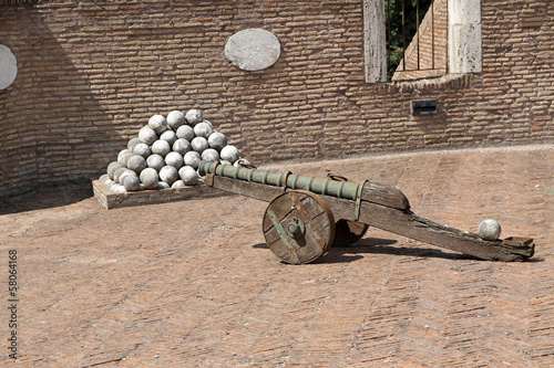 bronze cannons and the marble cannon balls to Castel Sant'Angelo