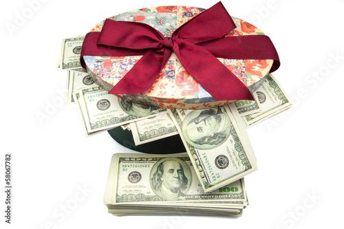 billetes en caja de regalo