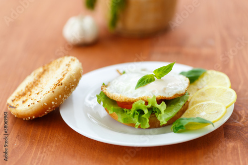 sandwich with egg and vegetables
