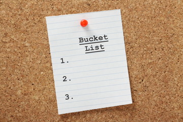 Blank Bucket List on a cork notice board