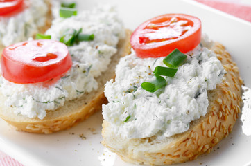 Cottage cheese bruschettas